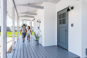 scolhouse設計施工の平屋玄関ポーチ