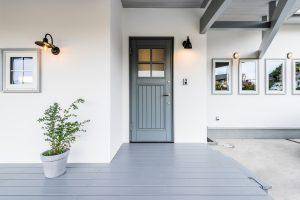 scolhouse設計施工の平屋玄関